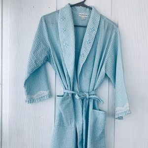 Miss Elaine Dressing Vintage Robe.